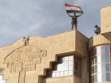 Frame 31.569178 de: Daesh obliga a familias enteras a desplazarse a Mosul para ser utilizados como escudos humanos
