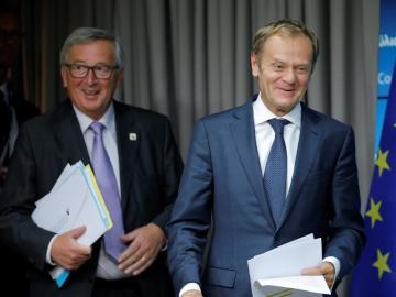 El presidente de la Comisión Europea, Jean-Claude Juncker  y el presidente del Consejo de la UE Donald Tusk