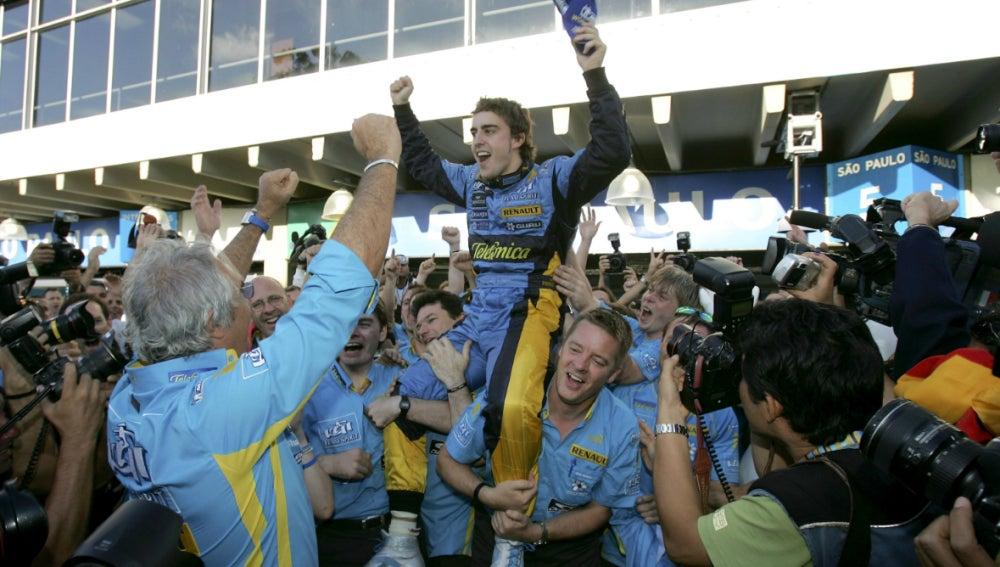 Alonso, bicampeón del mundo de la F1