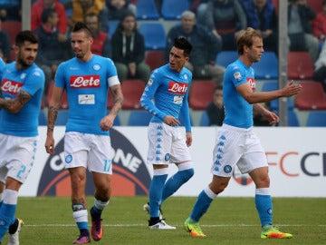 Los jugadores del Nápoles, celebrando el gol de Callejón ante el Crotone