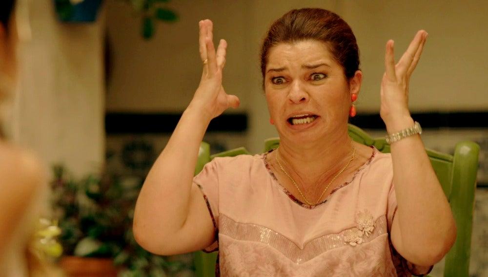 Sol confiesa a su familia gitana que no es virgen