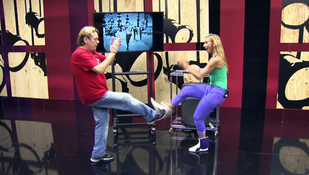 Juan Muñoz se estrena bailando con 'el rey del Swing'