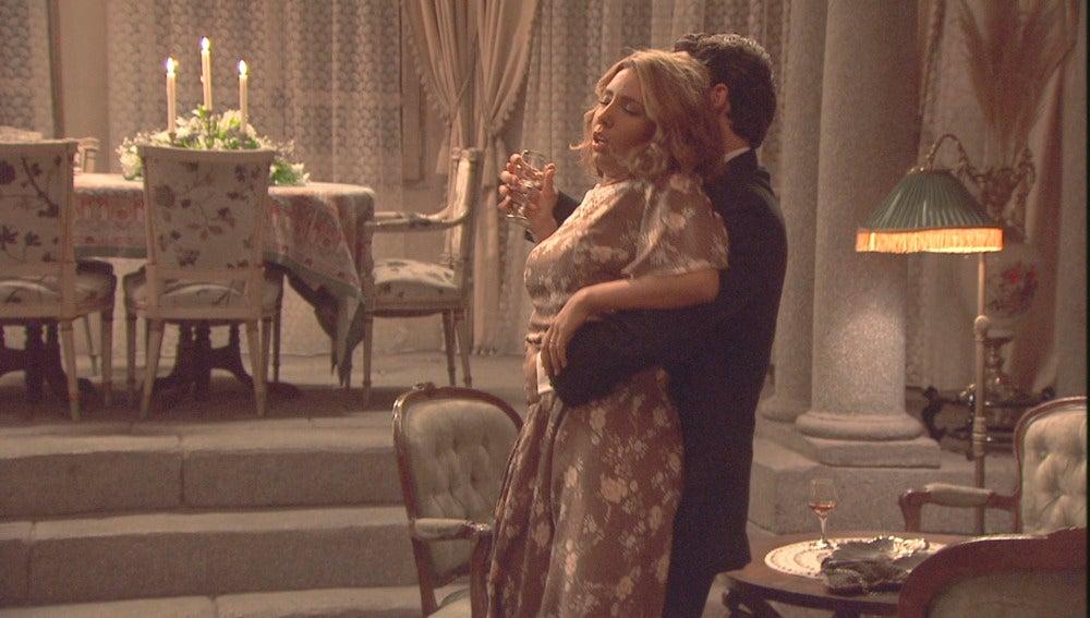 Emilia no sabe como mantener a raya a Garrigues
