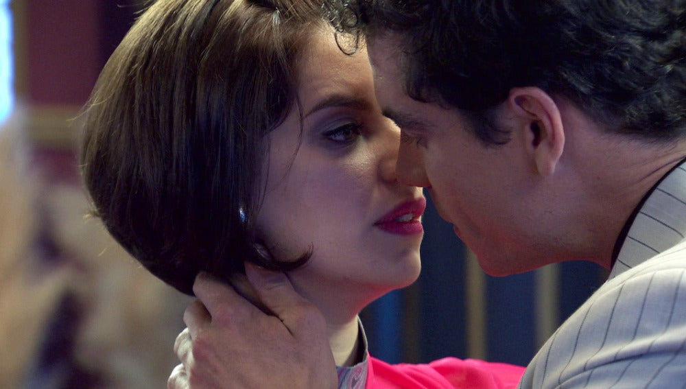 El recuerdo del pasado acerca a Marta y Rafael