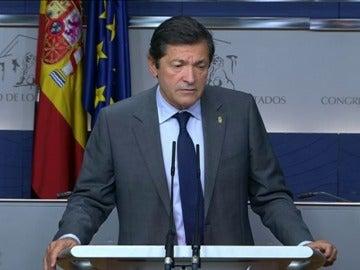 Frame 12.714525 de: Fernández comunica al Rey que el PSOE se abstendrá en la segunda votación
