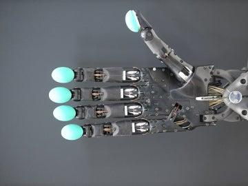Una prótesis de mano