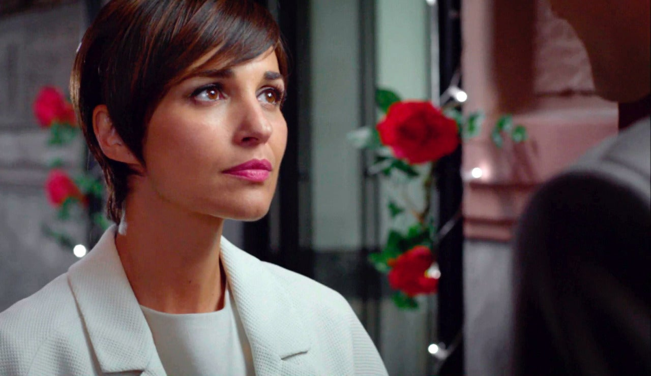 Ana Rivera no sabe qué contestar a la petición de matrimonio de Carlos