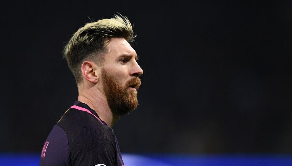 Messi, enfadado en el partido con el Barcelona