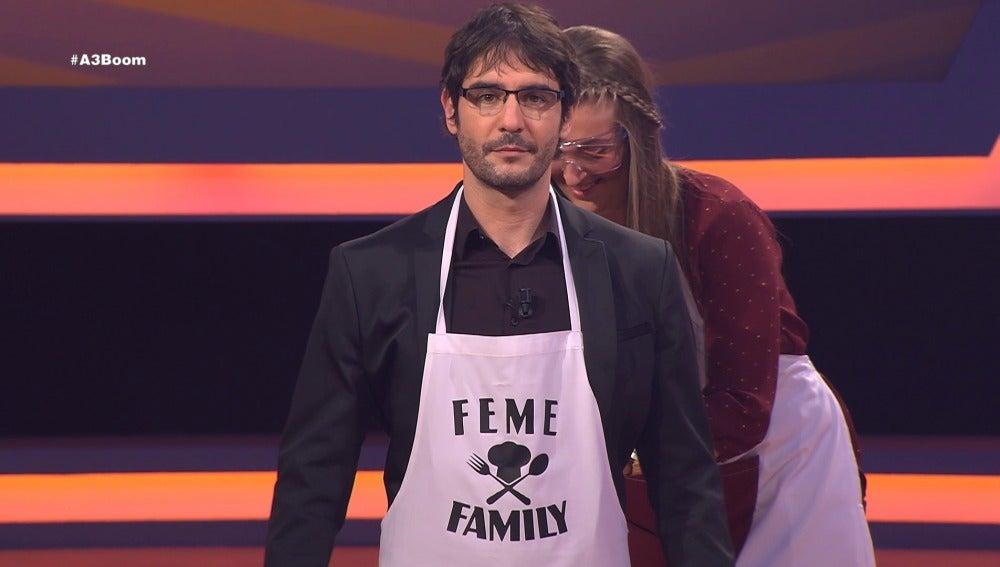 'Feme Family' regala un delantal a Juanra