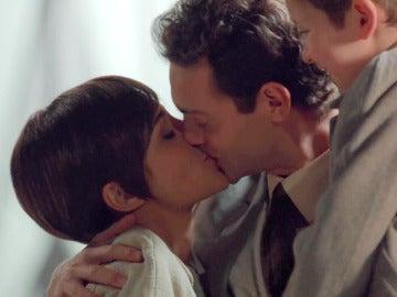 """Ana acepta casarse con Carlos: """"Hagámoslo"""""""