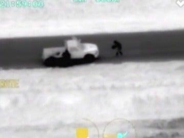 Frame 17.828519 de: Persecución, en Oklahoma, a un sospechoso de cometer dos asesinatos en ese estado