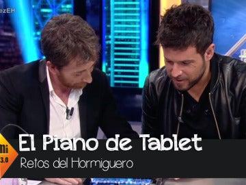 El Hormiguero - Una tablet y unas pinzas de madera y Pablo López hace magia
