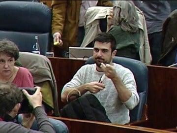 Frame 4.909043 de:  Pablo Iglesias, defiende al portavoz de la formación morada en el Senado
