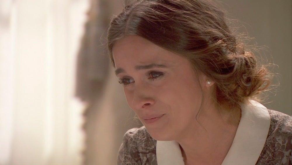 Beatriz llora la dura situación de su padre