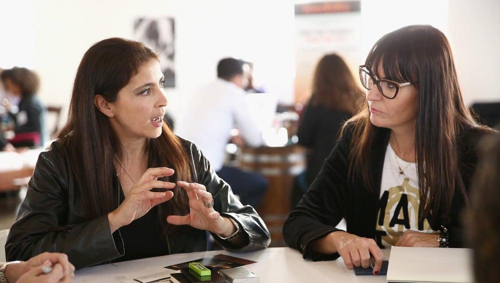 Imagen de archivo de una reunión en una oficina