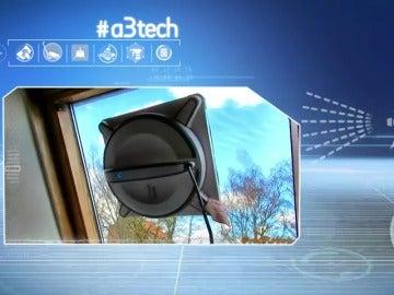 Frame 28.321913 de: Robots que doblan la ropa, pasan la fregona, limpian los cristales y cortan el césped