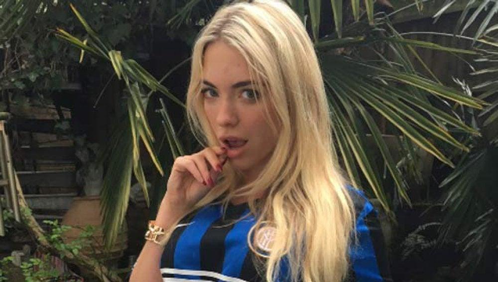 April Summers, reconocida forofa del Inter