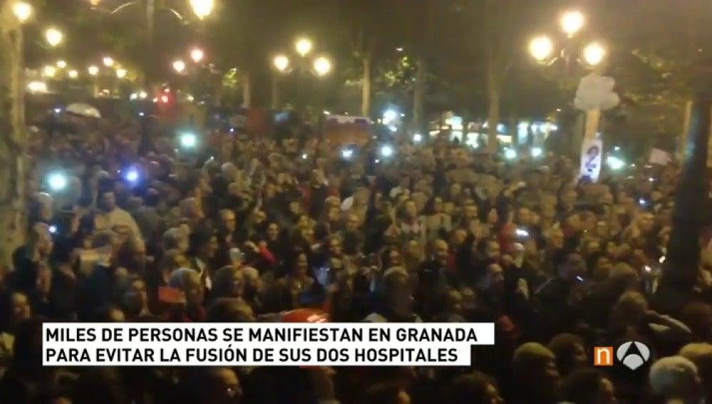 Antena 3 tv cerca de personas se manifiestan en for Antenas parabolicas en granada
