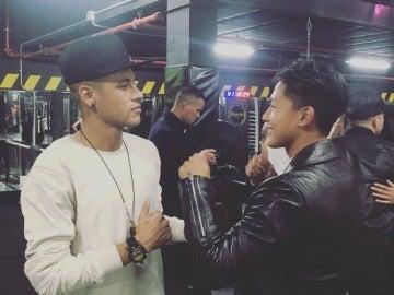Neymar y Seung Woo Lee se retan a un combate de boxeo