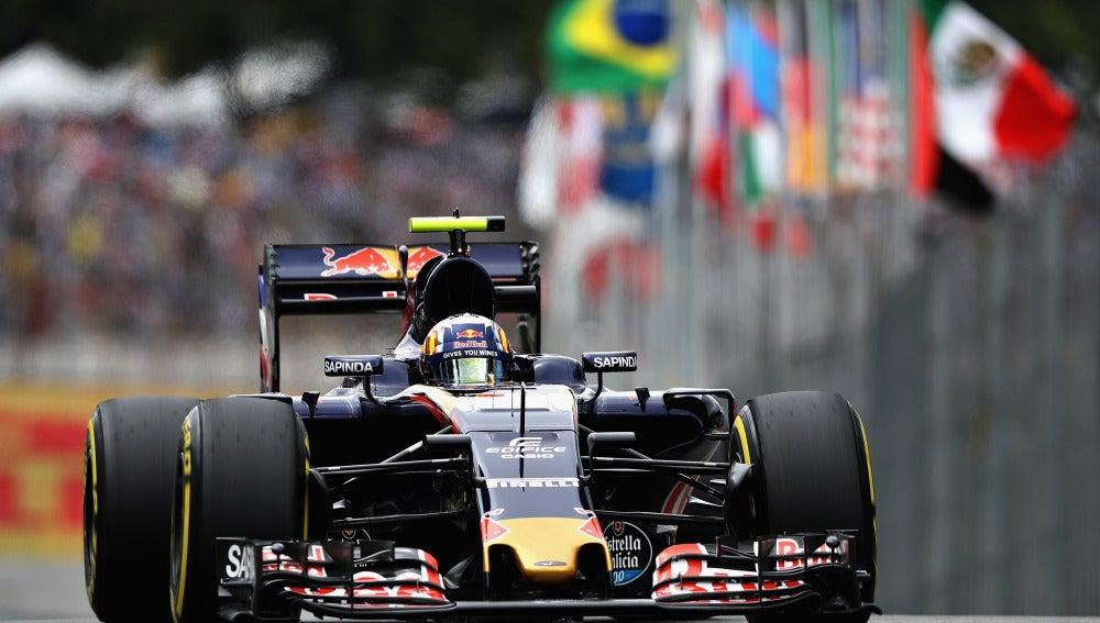 Carlos Sainz, durante la clasificación del GP de Brasil