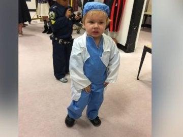 Carly Ezelle desfilará como una médico