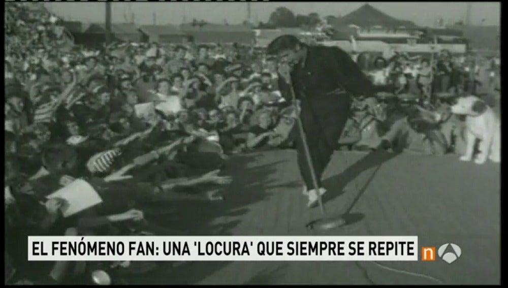 Elvis sobre un escenario