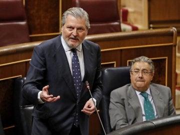 Méndez de Vigo en el Congreso
