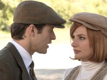 Enrique no soporta ver a Patricia con Valentín