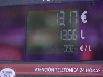 """Frame 20.560396 de: Las """"gasolineras fantasma"""" proliferan en España condicionadas por los límites legales autonómicos"""