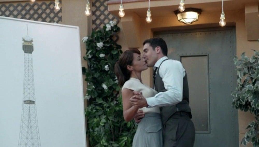 Frame 33.241258 de: Ana y Alberto disfrutan de la sorpresa de cumpleaños de Ana