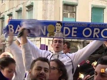 Frame 13.744888 de: La afición madridista toma las calles de Lisboa