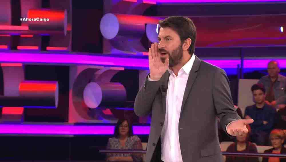 """Arturo Valls: """"Allí me compre una guitarra que me dice la hora"""""""