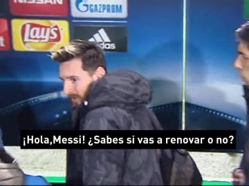 """Así reaccionó Messi ante la pregunta del millón en zona mixta: """"¿Vas a renovar o no?"""""""