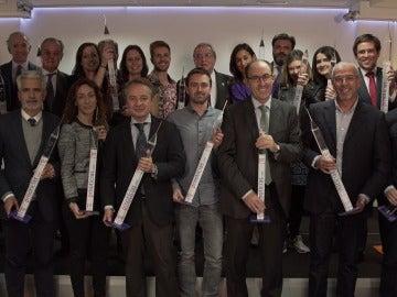 Emilio Sánchez Zaballos, en representación de Flooxer, junto al resto de galardonados
