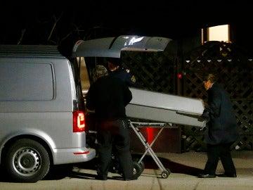 Una mujer mata a su madre, a su hermano y a sus tres hijos antes de suicidarse