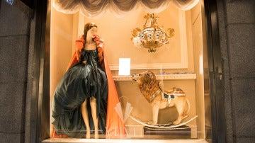 Escaparate de las Galerías Velvet con la colección de De la Riva