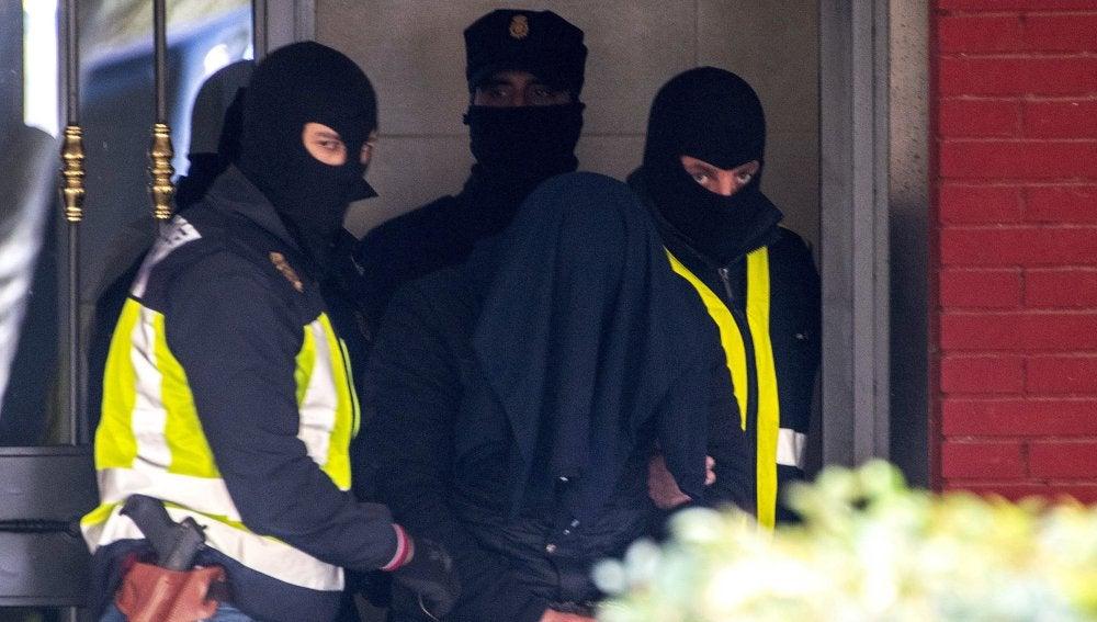 El marroquí acusado de ser un peligroso yihadista, clave en el aparato de propaganda y captación del DAESH, detenido el miércoles en Aranjuez, en Madrid