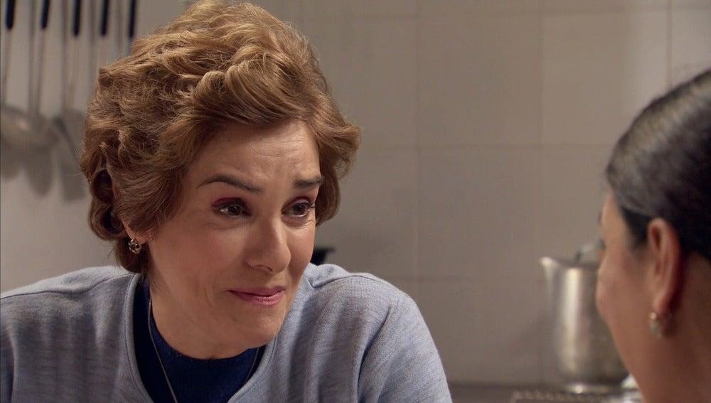 Benigna confiesa que se siente enamorada de Benito