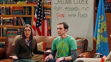 Sheldon Cooper en su programa de banderas