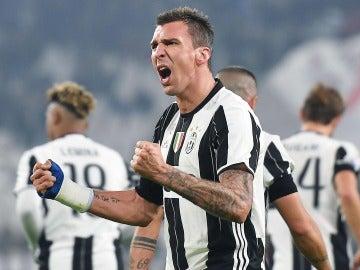 La Juventus celebrando su triunfo ante el Atalanta
