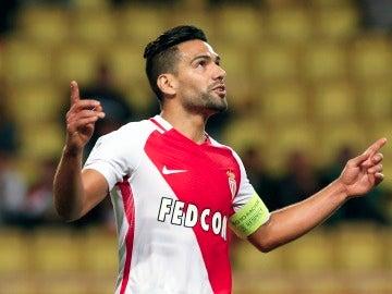 Radamel Falcao celebra un gol con el Mónaco