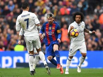 Leo Messi, Marcelo y Cristiano Ronaldo durante El Clásico