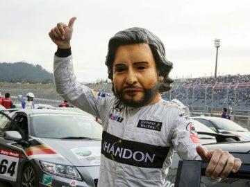 Alonso, con una máscara de sí mismo