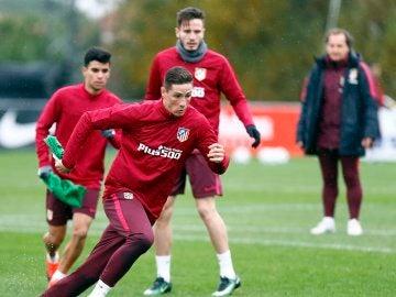 Torres, en un entrenamiento con el Atlético