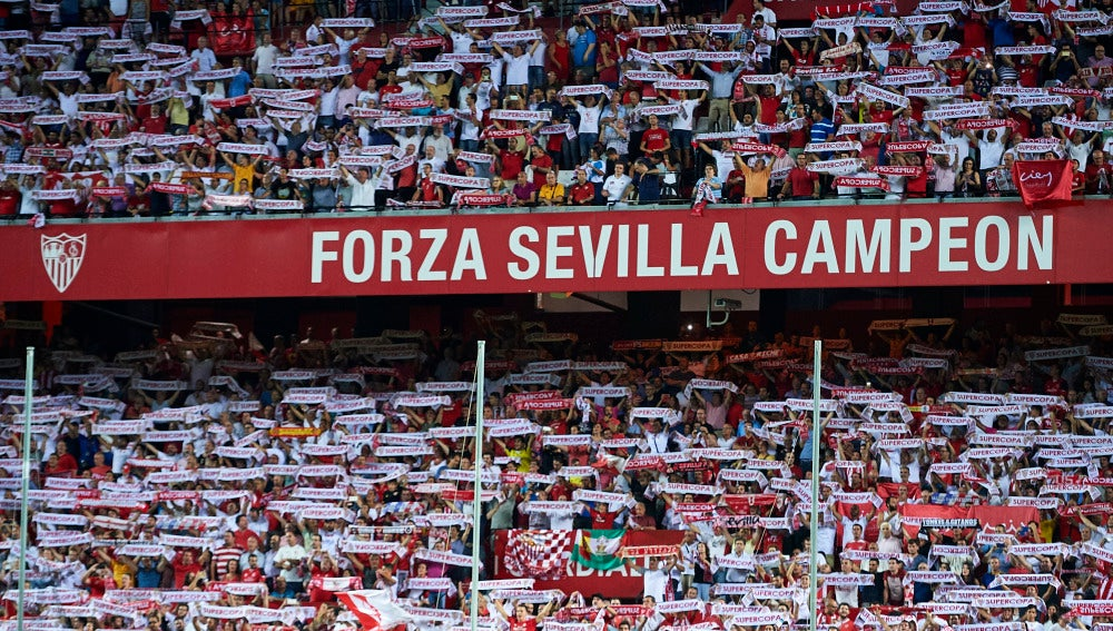 La afición del Sevilla en el Sánchez Pizjuán