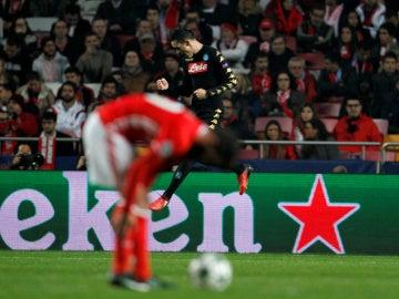 Callejón celebra su gol ante el Benfica