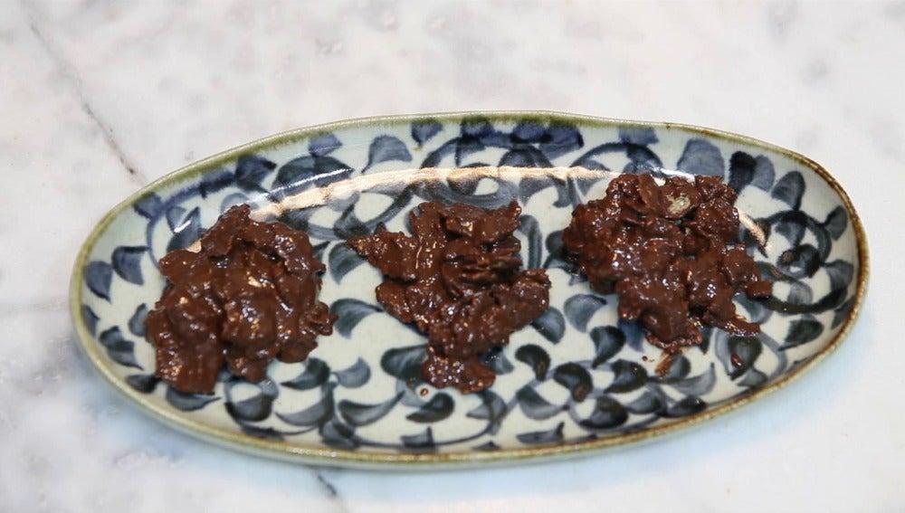 Frame 29.547576 de: Te enseñamos a preparar rocas de chocolate con cereales