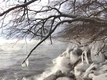 Frame 8.984455 de: Una ola de frío polar afecta a buena parte de Estados Unidos