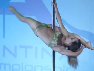 "Frame 18.731033 de: 250 bailarines de ""pole dance"" procedentes de 11 países compiten en Buenos Aiers"