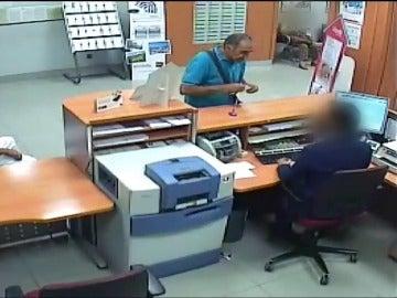 """Frame 1.102281 de: Cae """"El Padilla"""", el atracador de bancos más longevo y castizo"""